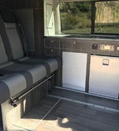 Furgoneta CAMPER con DUCHA interior  VW T6 Caravelle